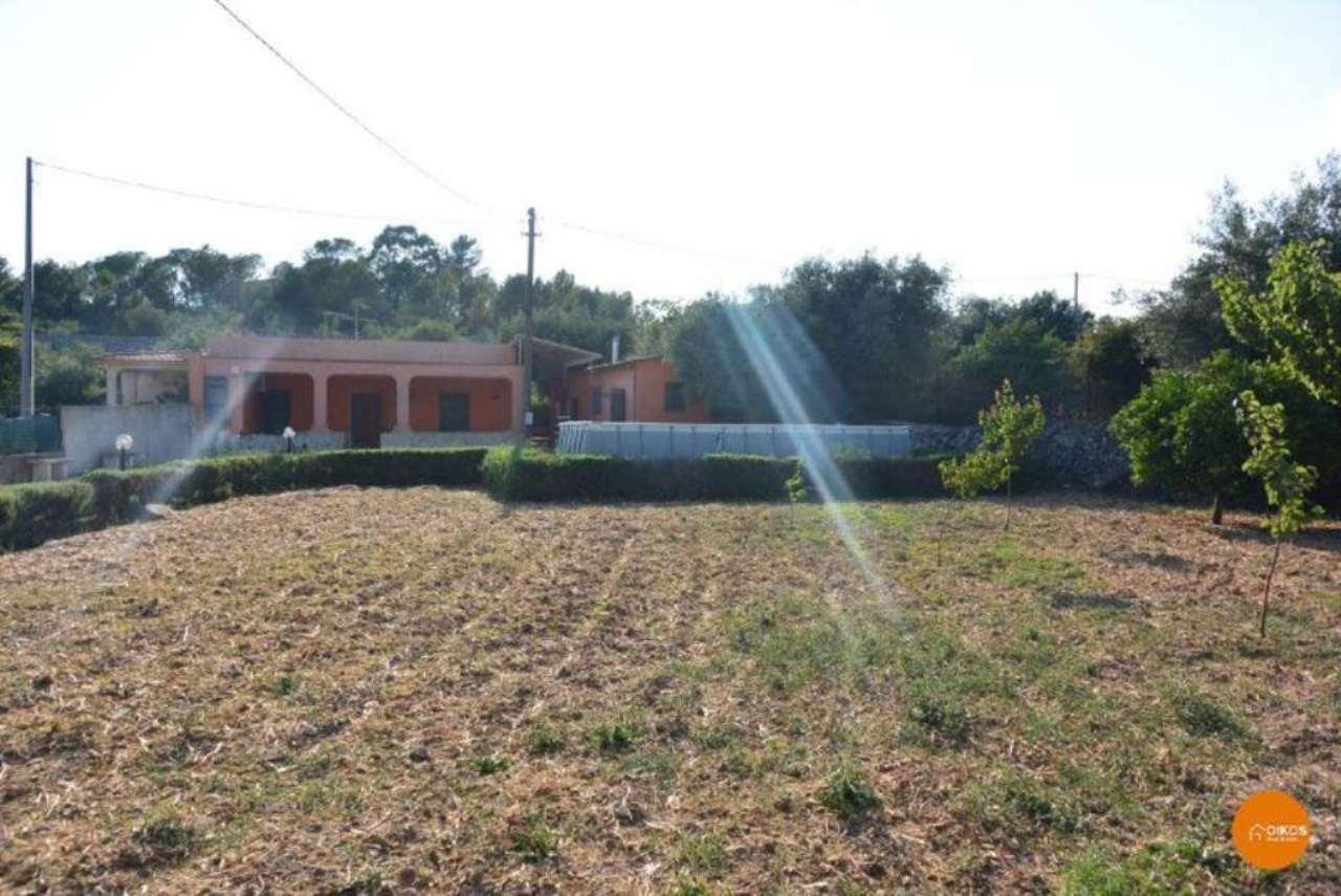 Villa in vendita a Noto, 4 locali, prezzo € 125.000 | CambioCasa.it