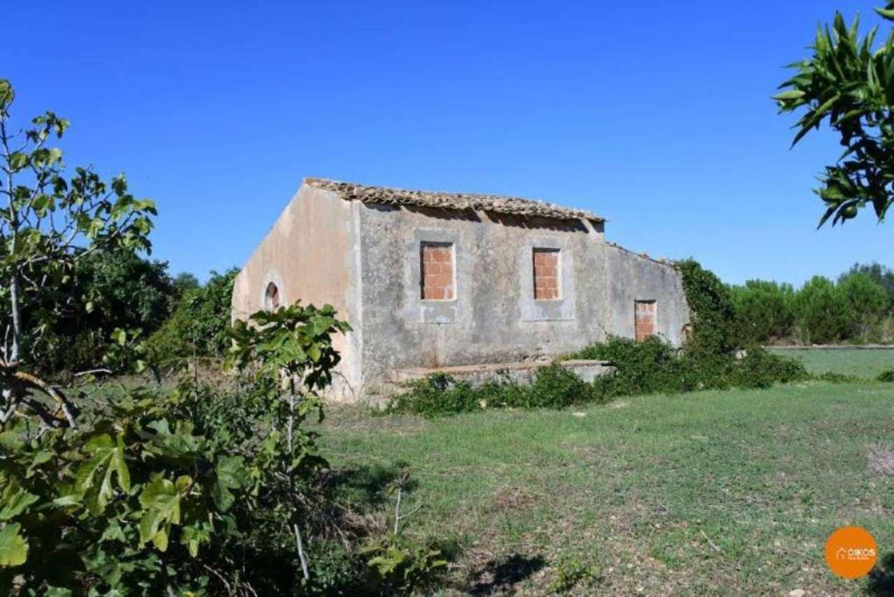 Rustico / Casale in vendita a Noto, 3 locali, prezzo € 150.000 | Cambio Casa.it