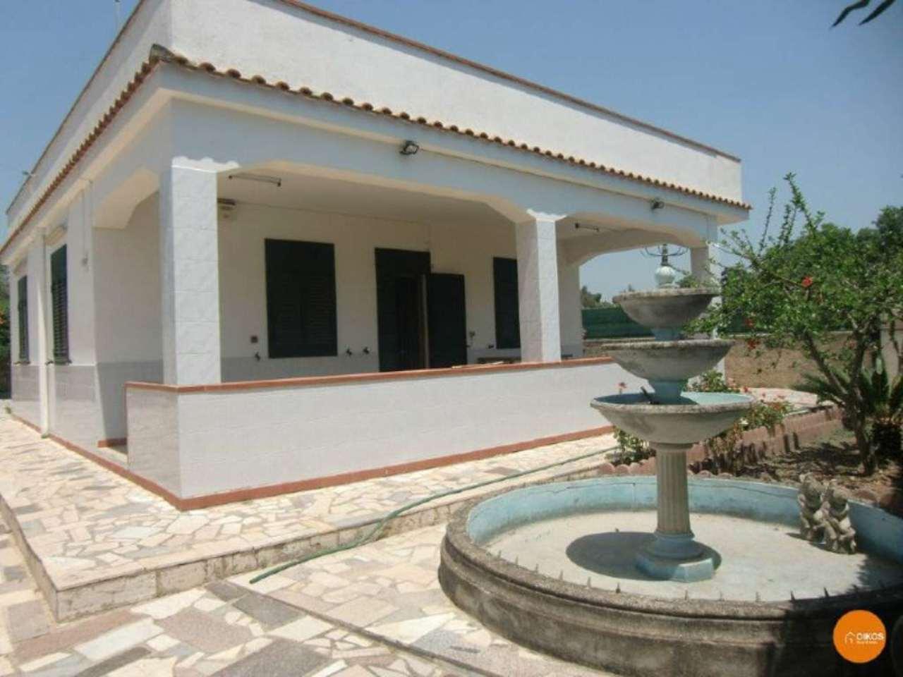 Villa in vendita a Noto, 4 locali, prezzo € 190.000 | Cambio Casa.it
