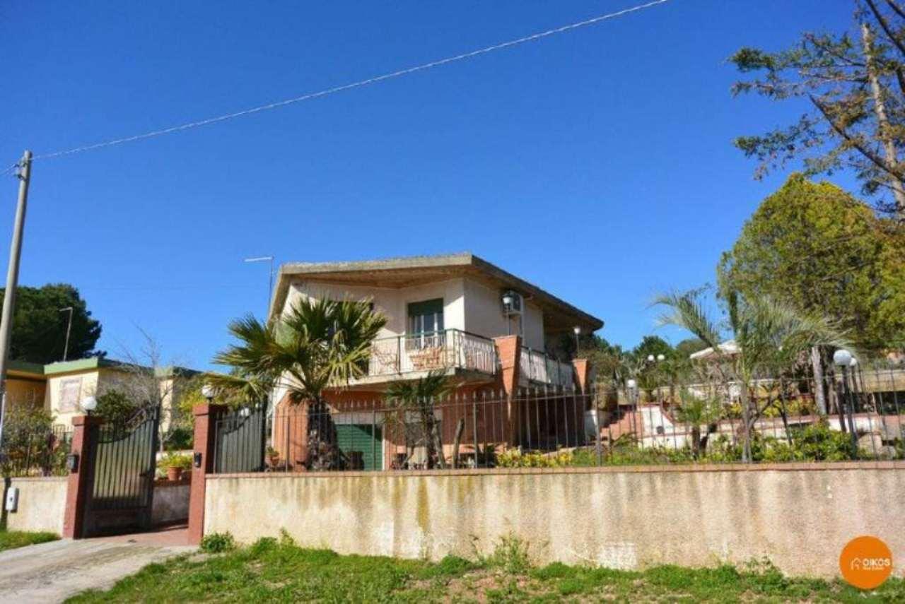 Villa in vendita a Noto, 5 locali, prezzo € 285.000 | Cambio Casa.it