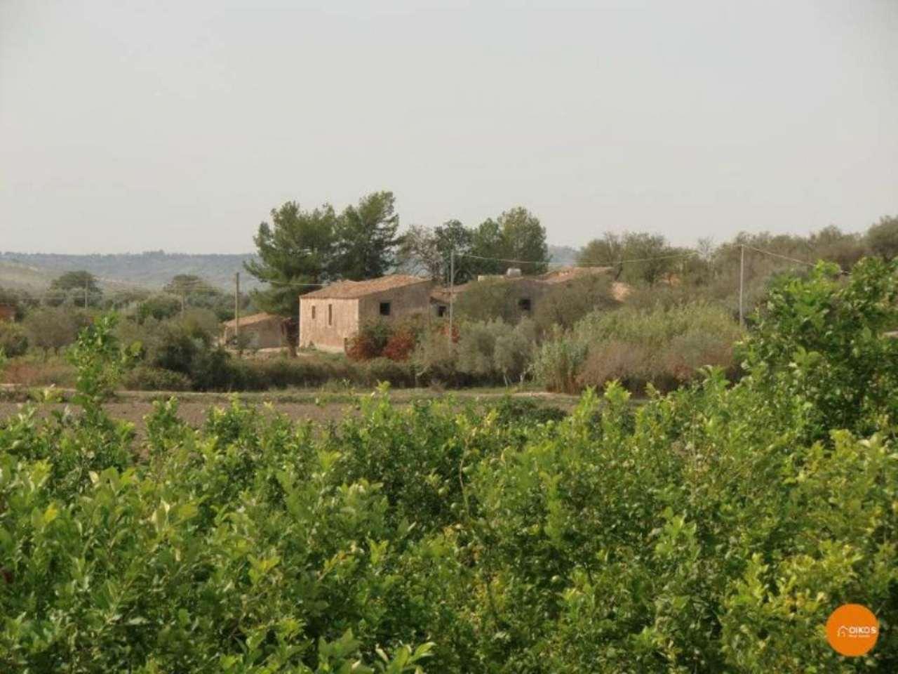 Rustico / Casale in vendita a Noto, 4 locali, prezzo € 290.000 | Cambio Casa.it