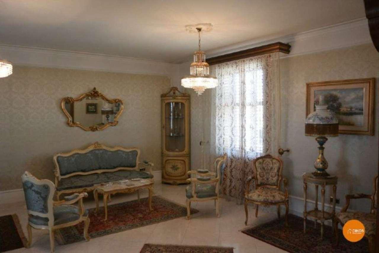Appartamento in vendita a Noto, 5 locali, prezzo € 260.000 | Cambio Casa.it