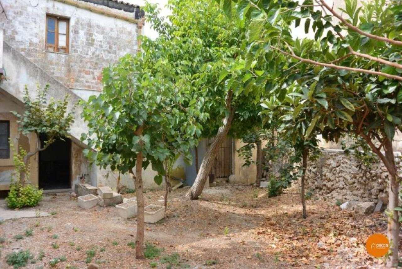 Soluzione Indipendente in vendita a Noto, 6 locali, prezzo € 245.000 | Cambio Casa.it