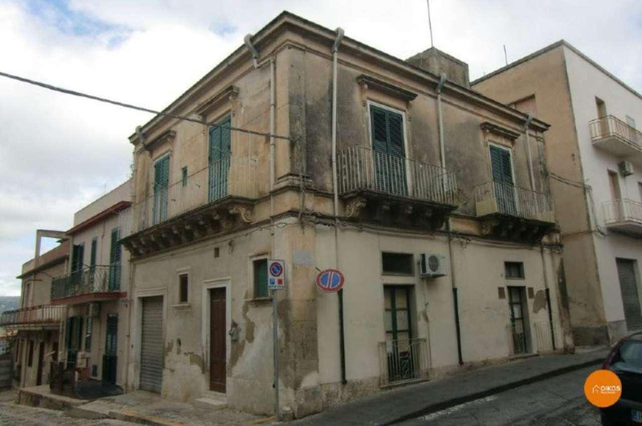 Altro in vendita a Noto, 8 locali, prezzo € 160.000 | CambioCasa.it
