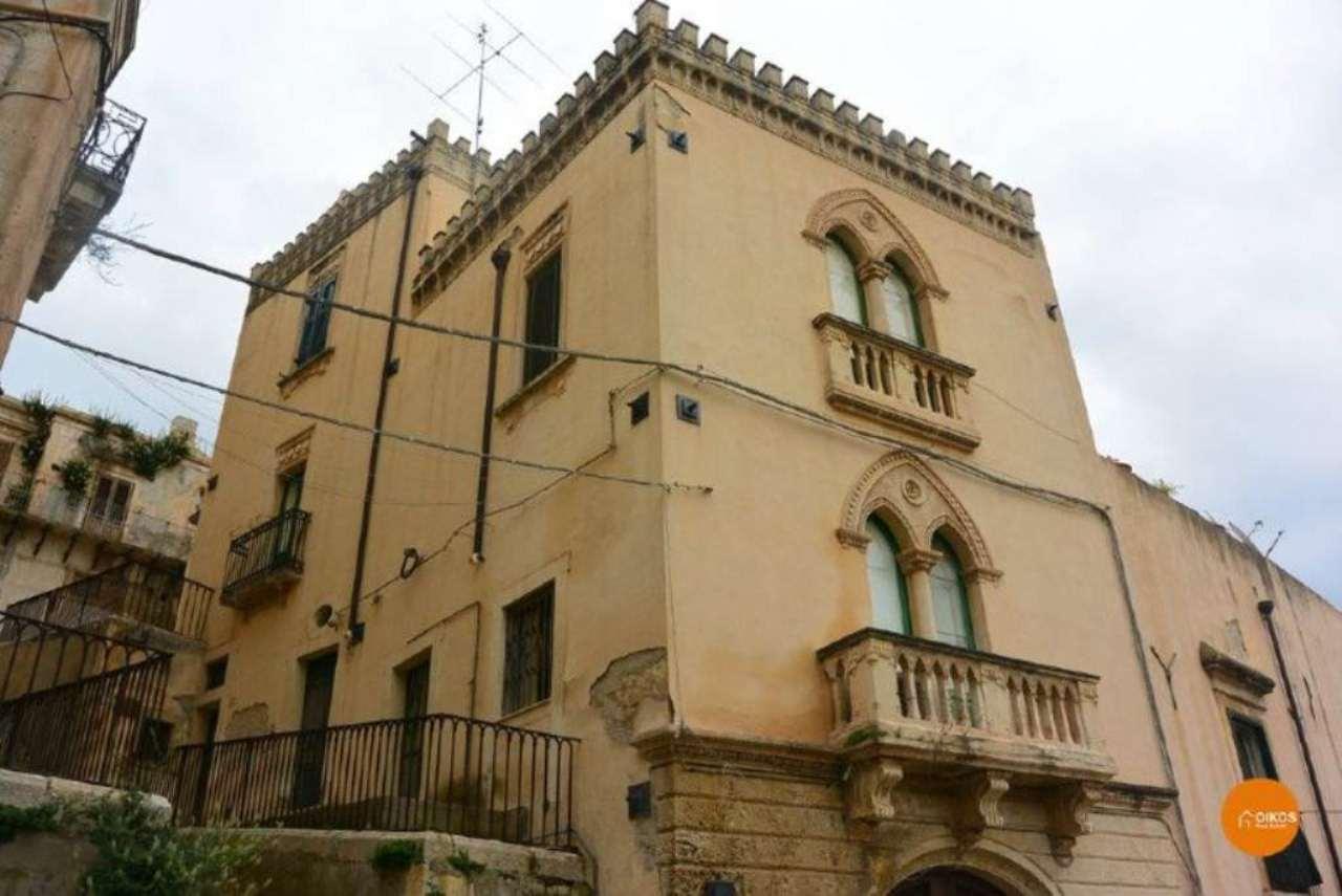 Soluzione Indipendente in vendita a Noto, 4 locali, Trattative riservate | Cambio Casa.it