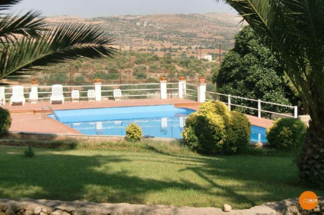 Villa in vendita a Noto, 6 locali, Trattative riservate   Cambio Casa.it