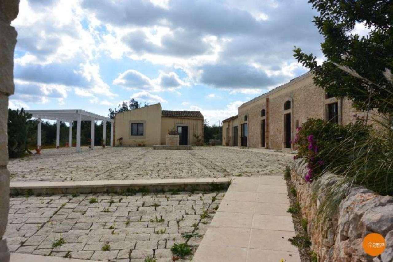 Terreno Edificabile Residenziale in vendita a Noto, 6 locali, Trattative riservate | CambioCasa.it