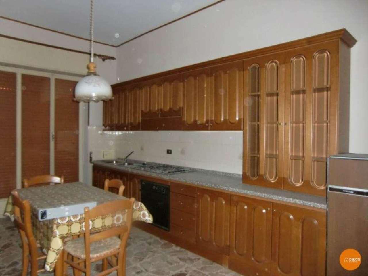 Appartamento in vendita a Noto, 4 locali, prezzo € 80.000 | Cambio Casa.it