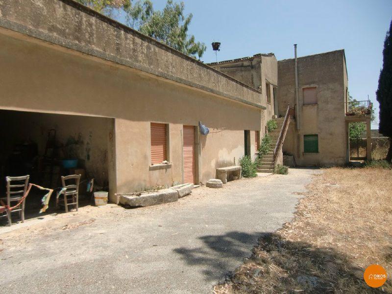Villa in vendita a Noto, 3 locali, prezzo € 250.000 | CambioCasa.it