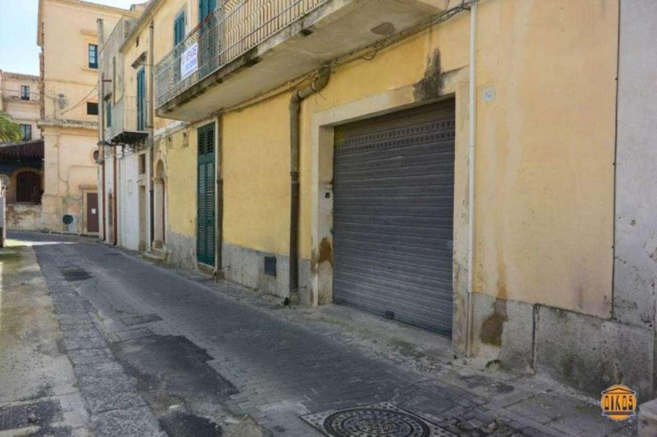 Negozio / Locale in vendita a Noto, 2 locali, Trattative riservate | Cambio Casa.it