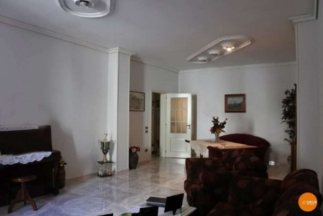 Soluzione Indipendente in vendita a Noto, 11 locali, prezzo € 225.000 | CambioCasa.it