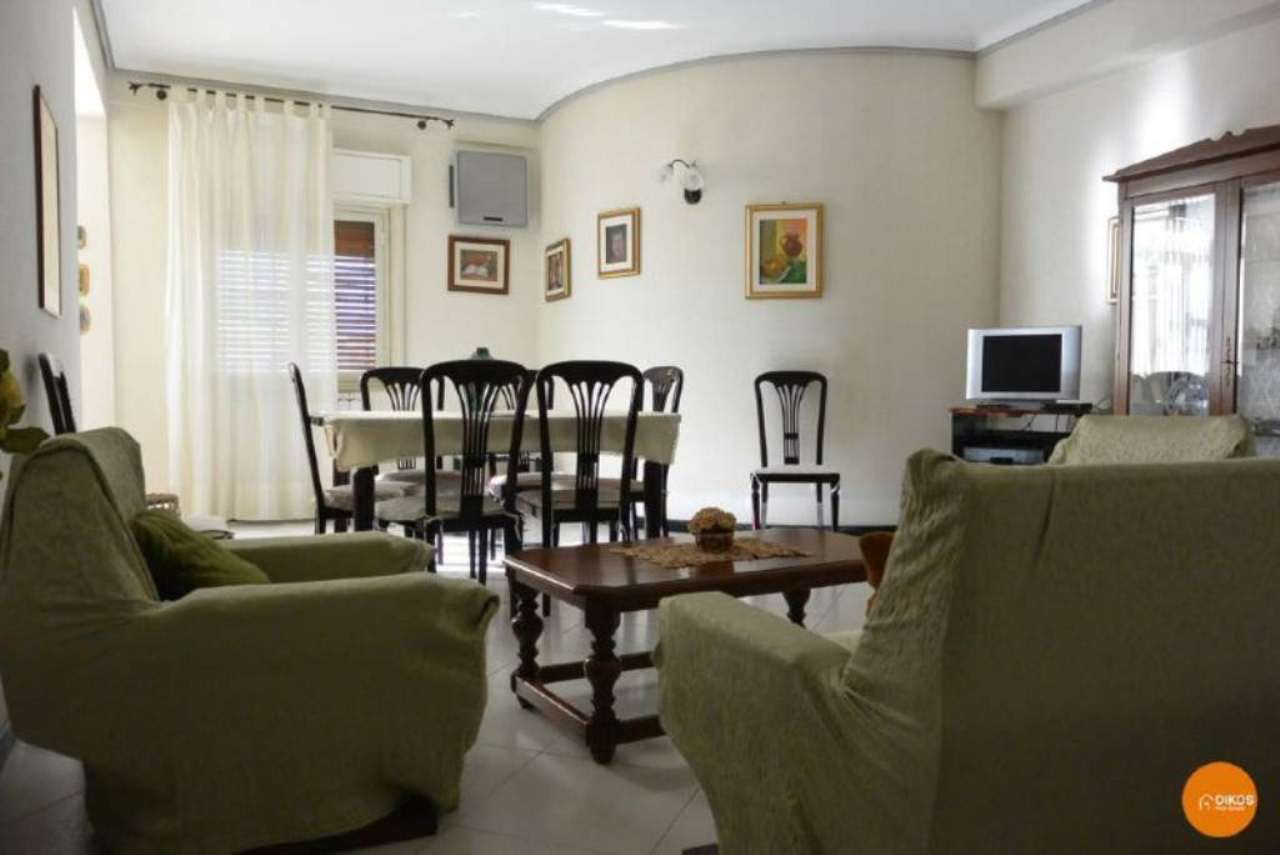 Appartamento in vendita a Noto, 7 locali, prezzo € 130.000 | Cambio Casa.it