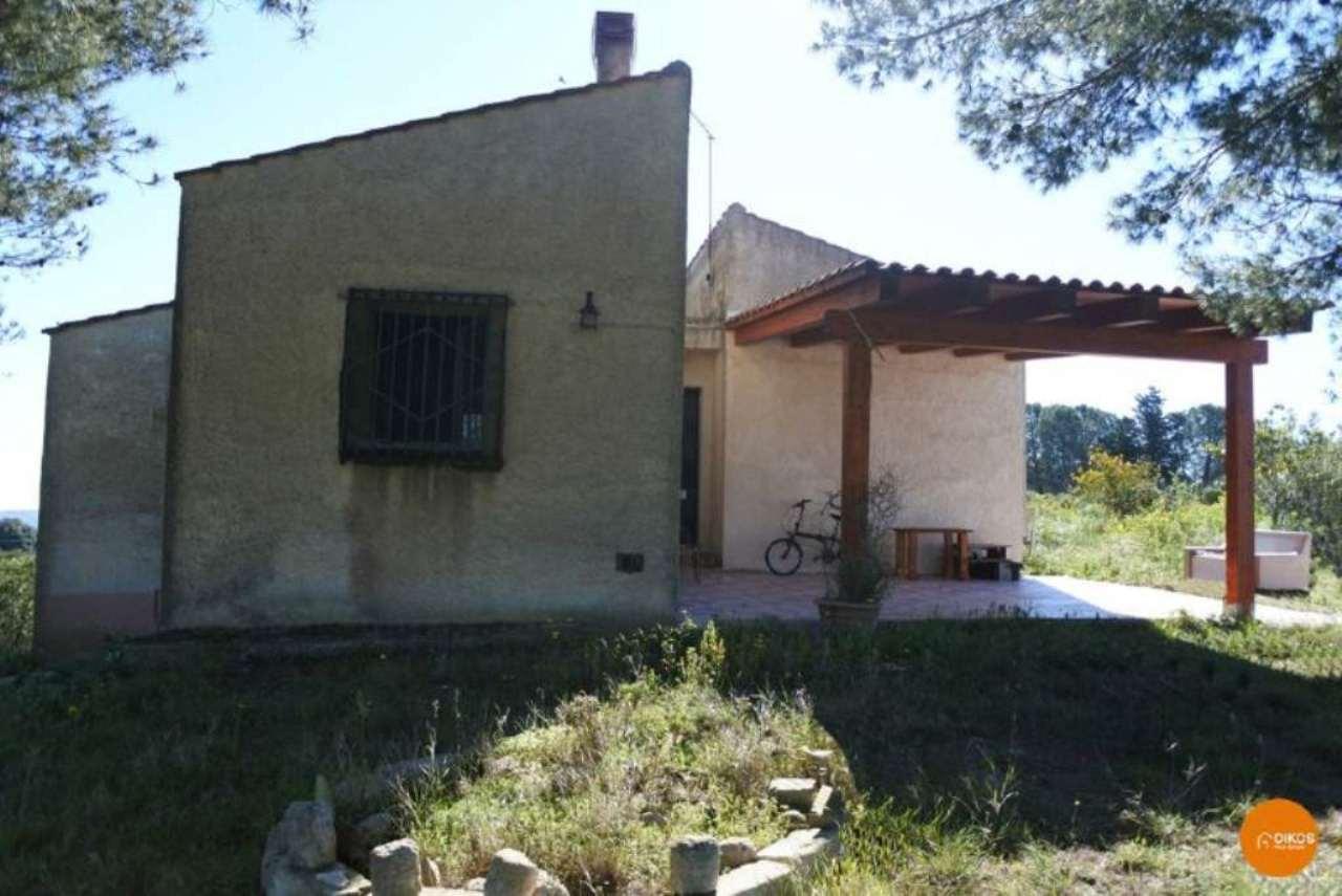 Villa in vendita a Noto, 5 locali, prezzo € 120.000 | Cambio Casa.it