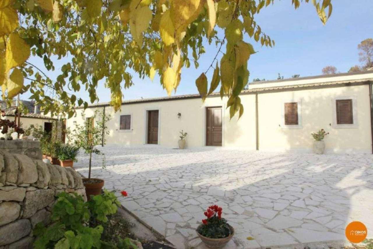 Altro in vendita a Noto, 15 locali, Trattative riservate | Cambio Casa.it
