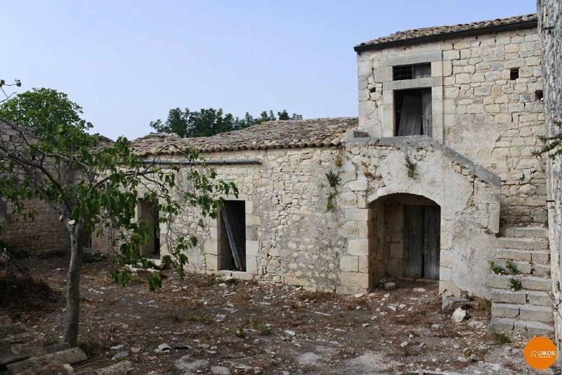 Terreno Agricolo in vendita a Noto, 11 locali, prezzo € 350.000 | Cambio Casa.it