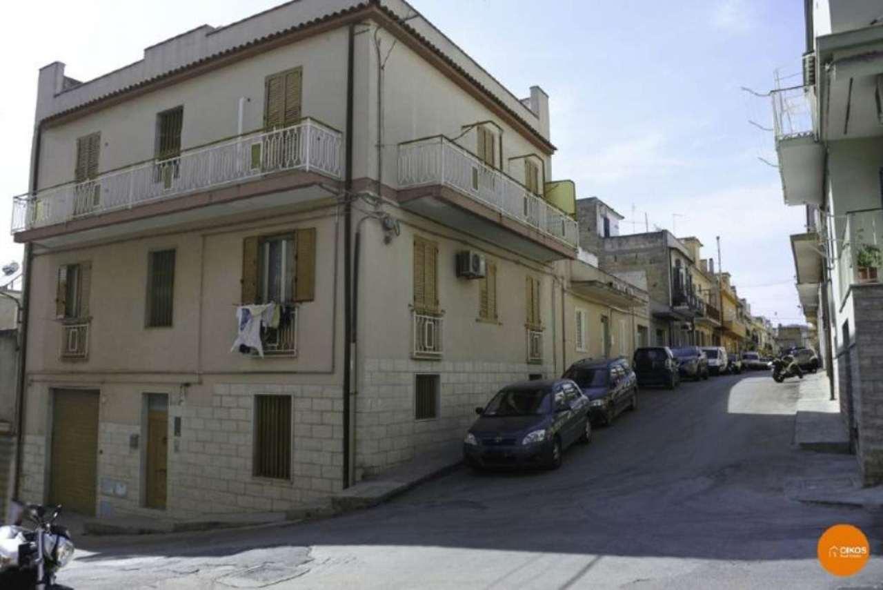 Appartamento in vendita a Noto, 5 locali, prezzo € 125.000 | Cambio Casa.it