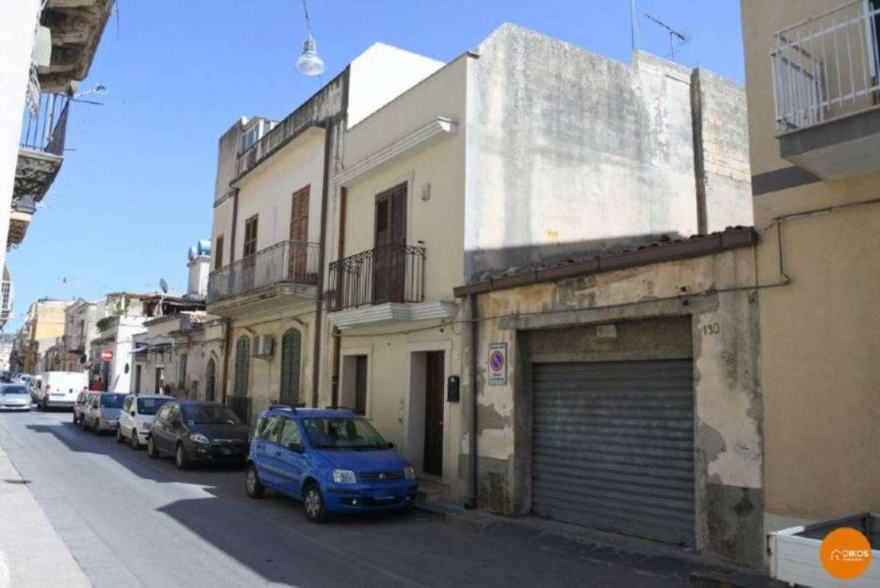 Palazzo / Stabile in vendita a Noto, 2 locali, prezzo € 100.000 | Cambio Casa.it