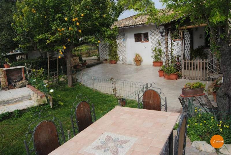 Rustico / Casale in vendita a Noto, 9 locali, prezzo € 265.000 | Cambio Casa.it