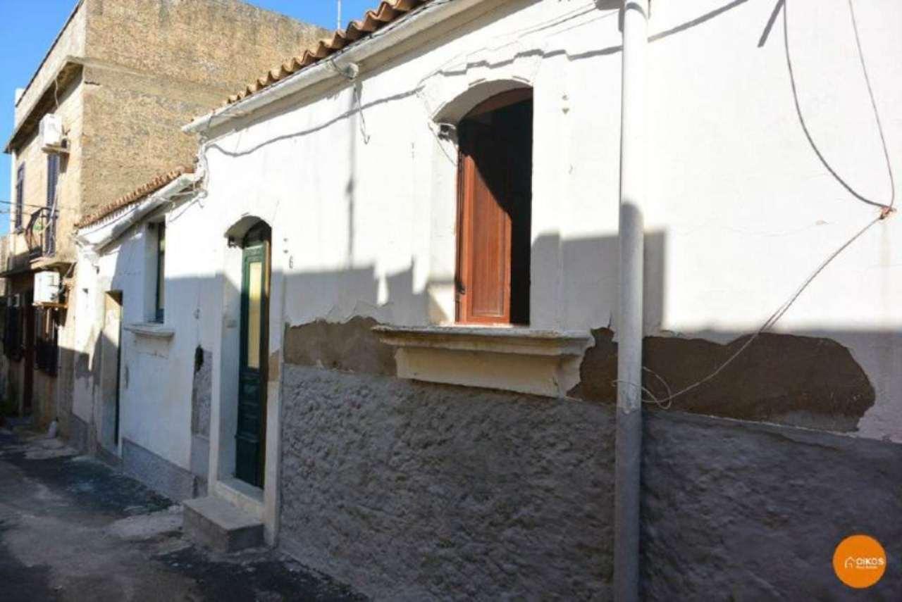Soluzione Indipendente in vendita a Noto, 3 locali, prezzo € 45.000 | Cambio Casa.it