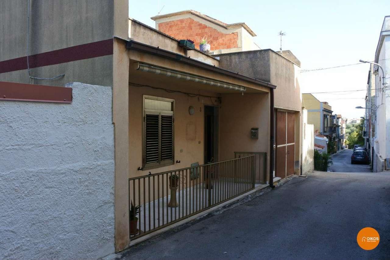 Soluzione Indipendente in vendita a Noto, 9999 locali, prezzo € 135.000 | Cambio Casa.it