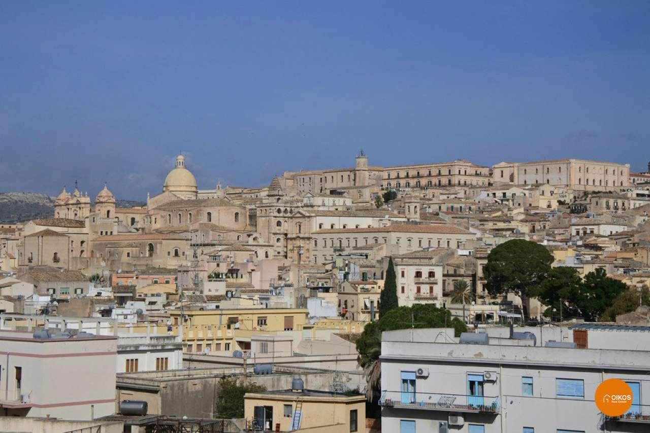 Appartamento in vendita a Noto, 4 locali, prezzo € 125.000 | CambioCasa.it