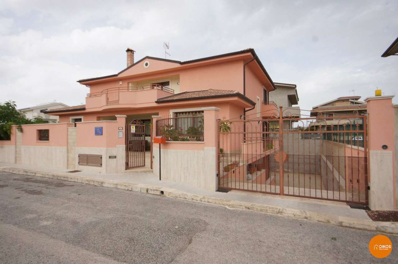 Soluzione Indipendente in vendita a Ispica, 9999 locali, prezzo € 600.000 | CambioCasa.it
