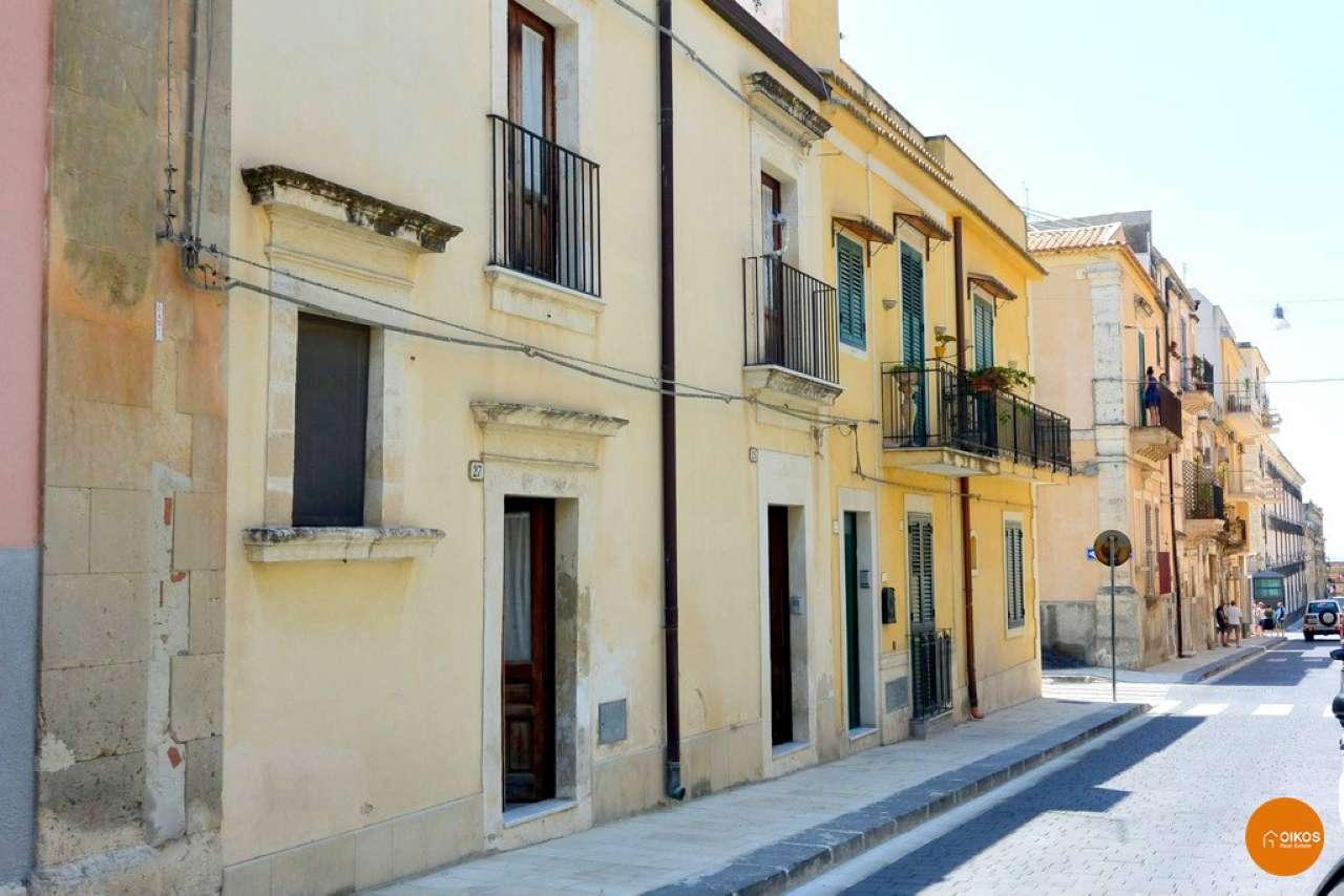 Soluzione Indipendente in vendita a Noto, 5 locali, prezzo € 140.000 | CambioCasa.it