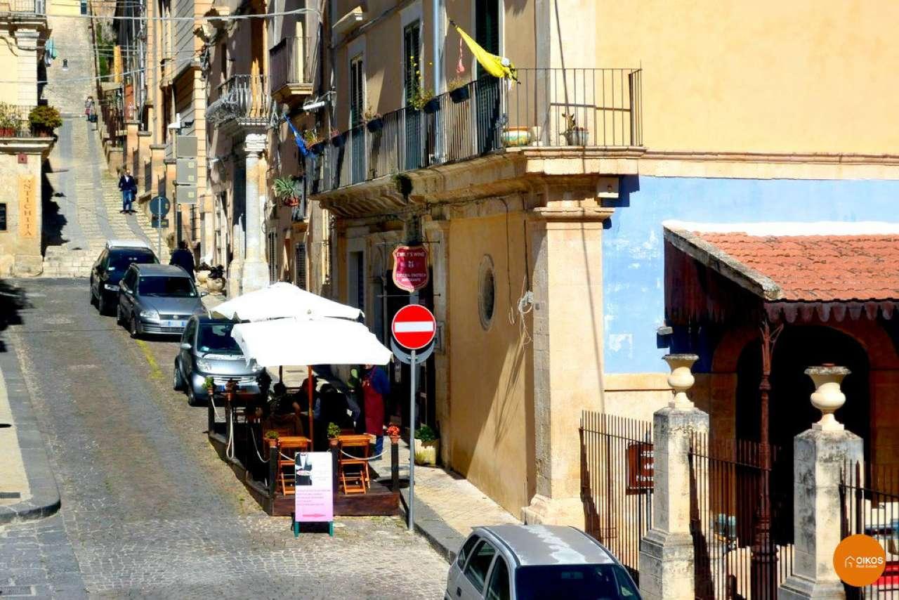 Soluzione Indipendente in vendita a Noto, 9999 locali, Trattative riservate | CambioCasa.it
