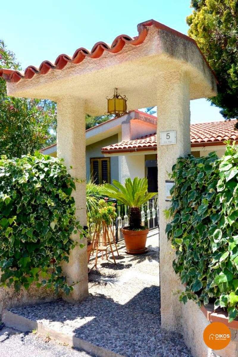 Villa in vendita a Noto, 9999 locali, prezzo € 350.000 | CambioCasa.it