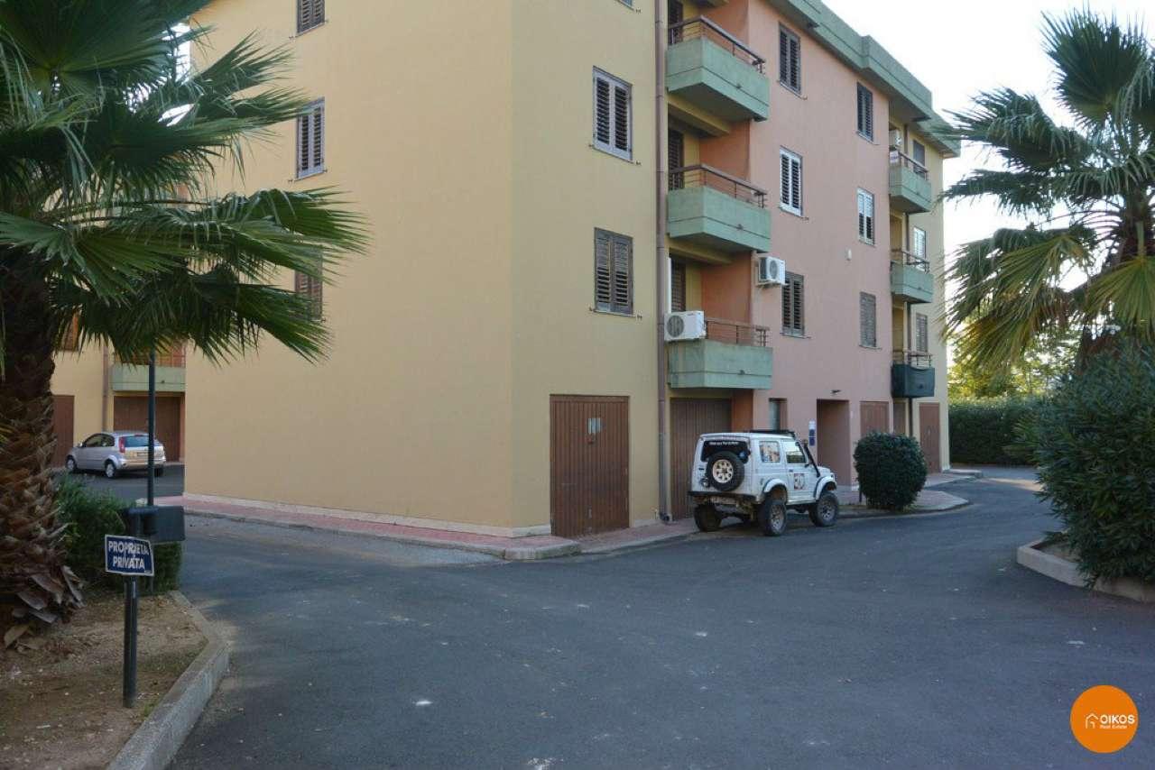 Appartamento in vendita a Noto, 6 locali, prezzo € 140.000   CambioCasa.it