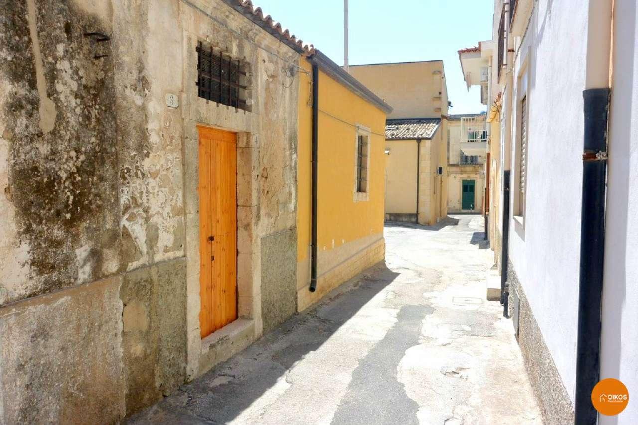 Casa indipendente bilocale in vendita a Noto (SR)