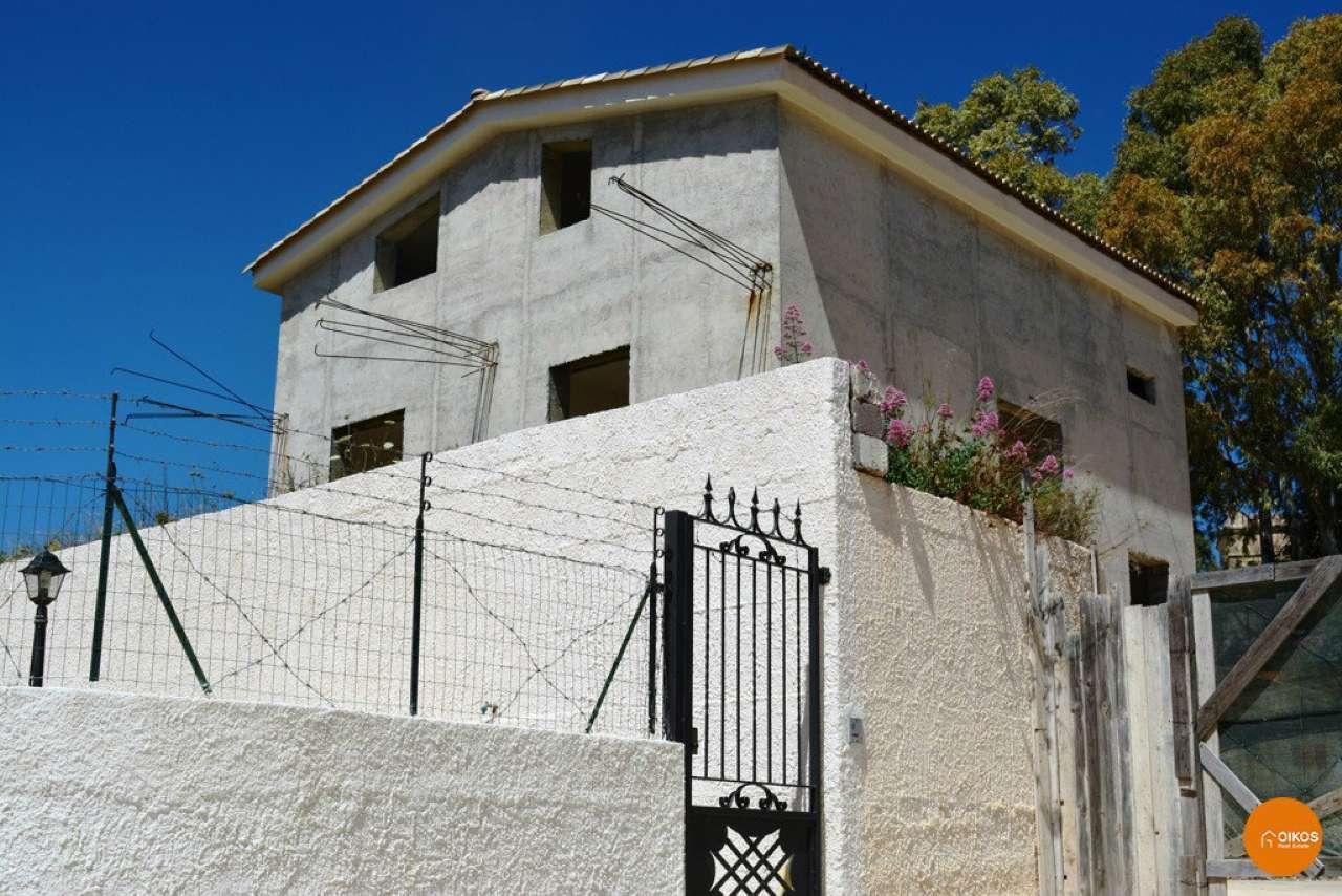 Villa in vendita a Noto, 9999 locali, prezzo € 175.000 | CambioCasa.it
