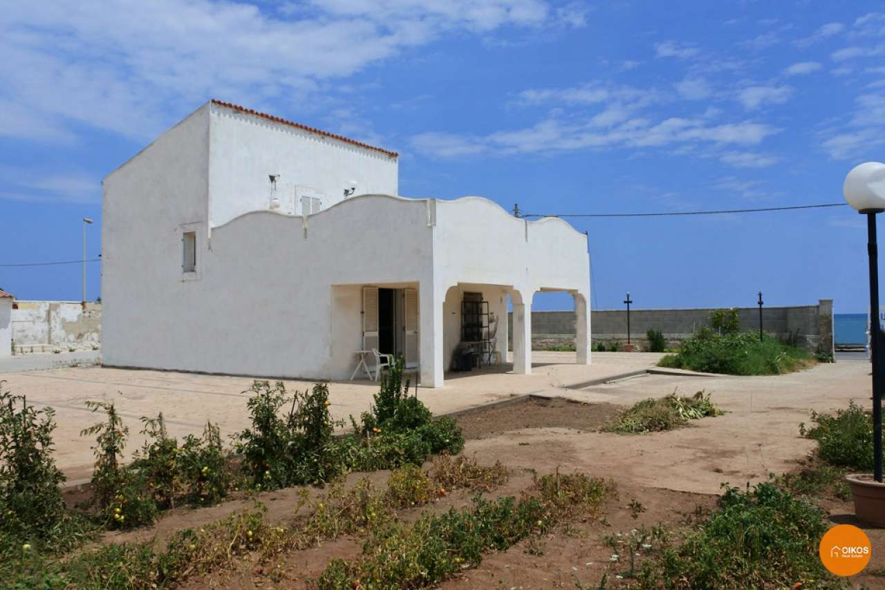 Villa in vendita a Noto, 3 locali, prezzo € 350.000 | CambioCasa.it