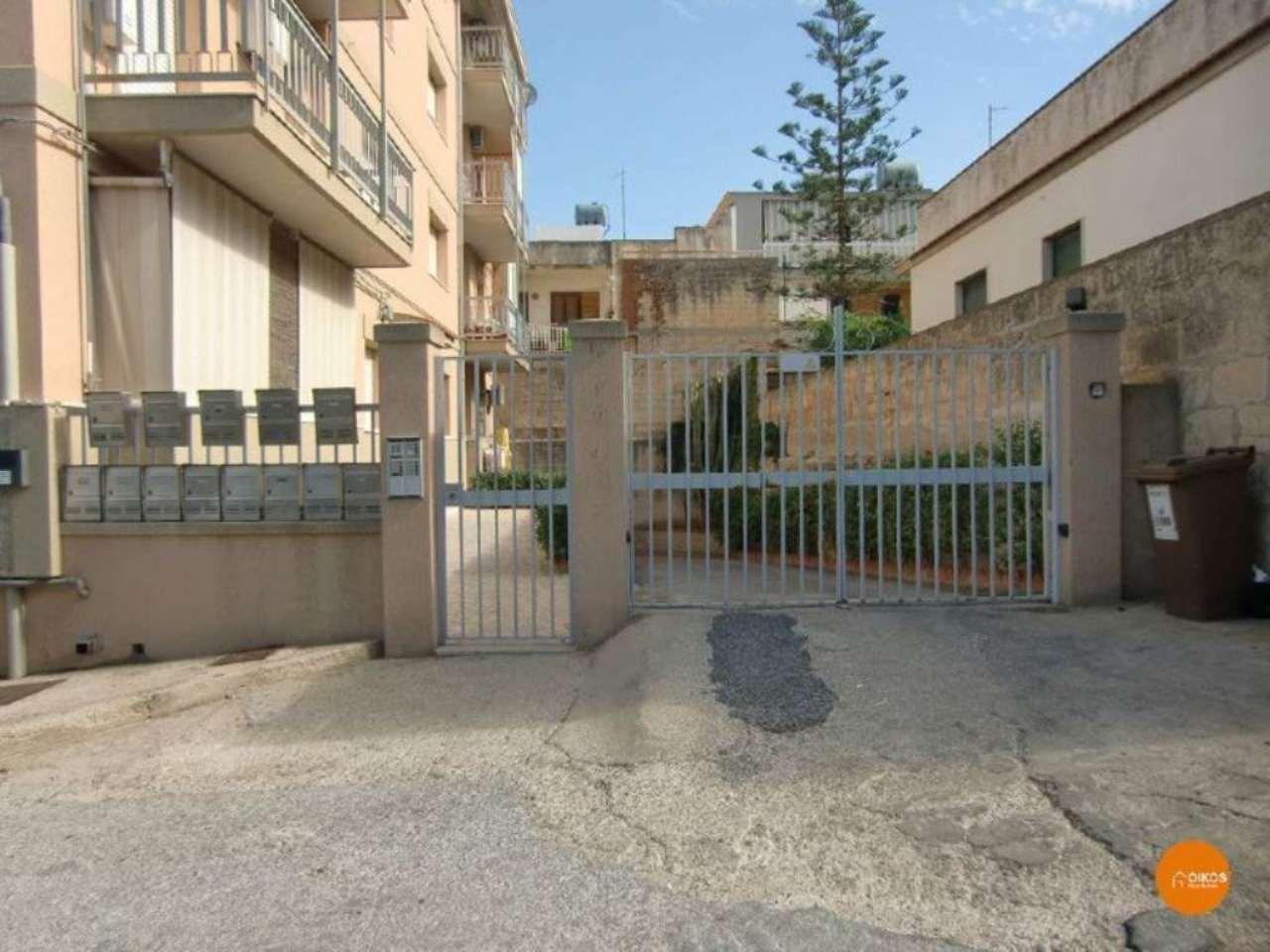 Appartamento in vendita a Noto, 7 locali, prezzo € 150.000 | Cambio Casa.it