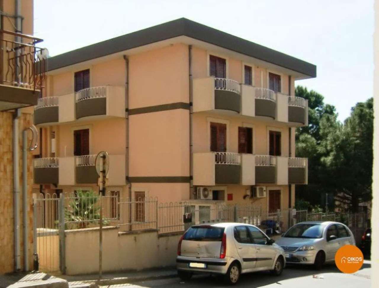 Appartamento in vendita a Noto, 6 locali, prezzo € 185.000 | Cambio Casa.it