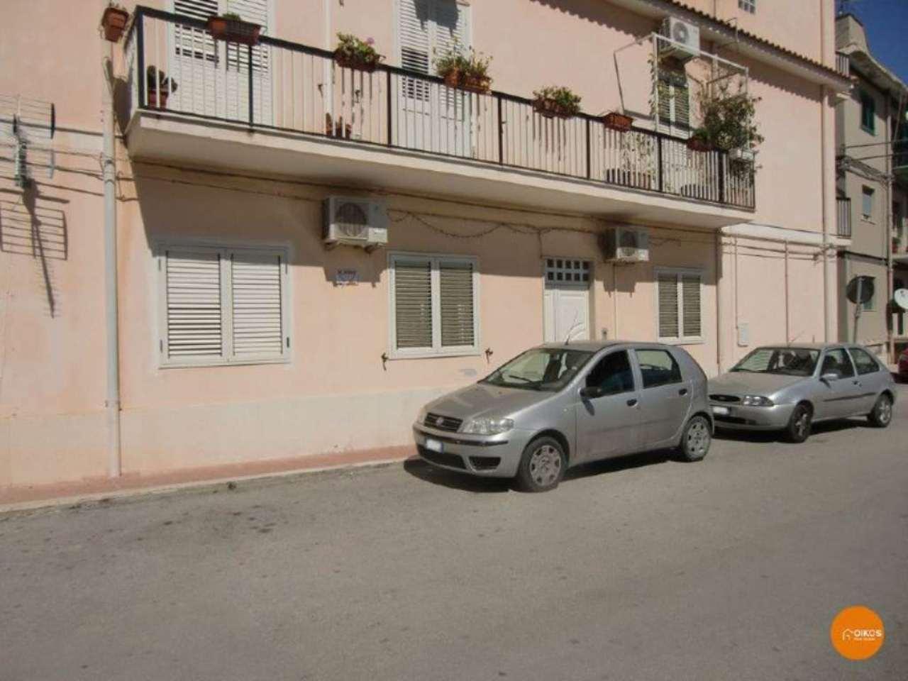 Soluzione Indipendente in vendita a Noto, 8 locali, prezzo € 120.000 | Cambio Casa.it