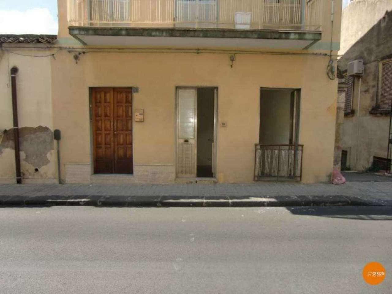 Soluzione Indipendente in vendita a Noto, 4 locali, prezzo € 45.000 | CambioCasa.it