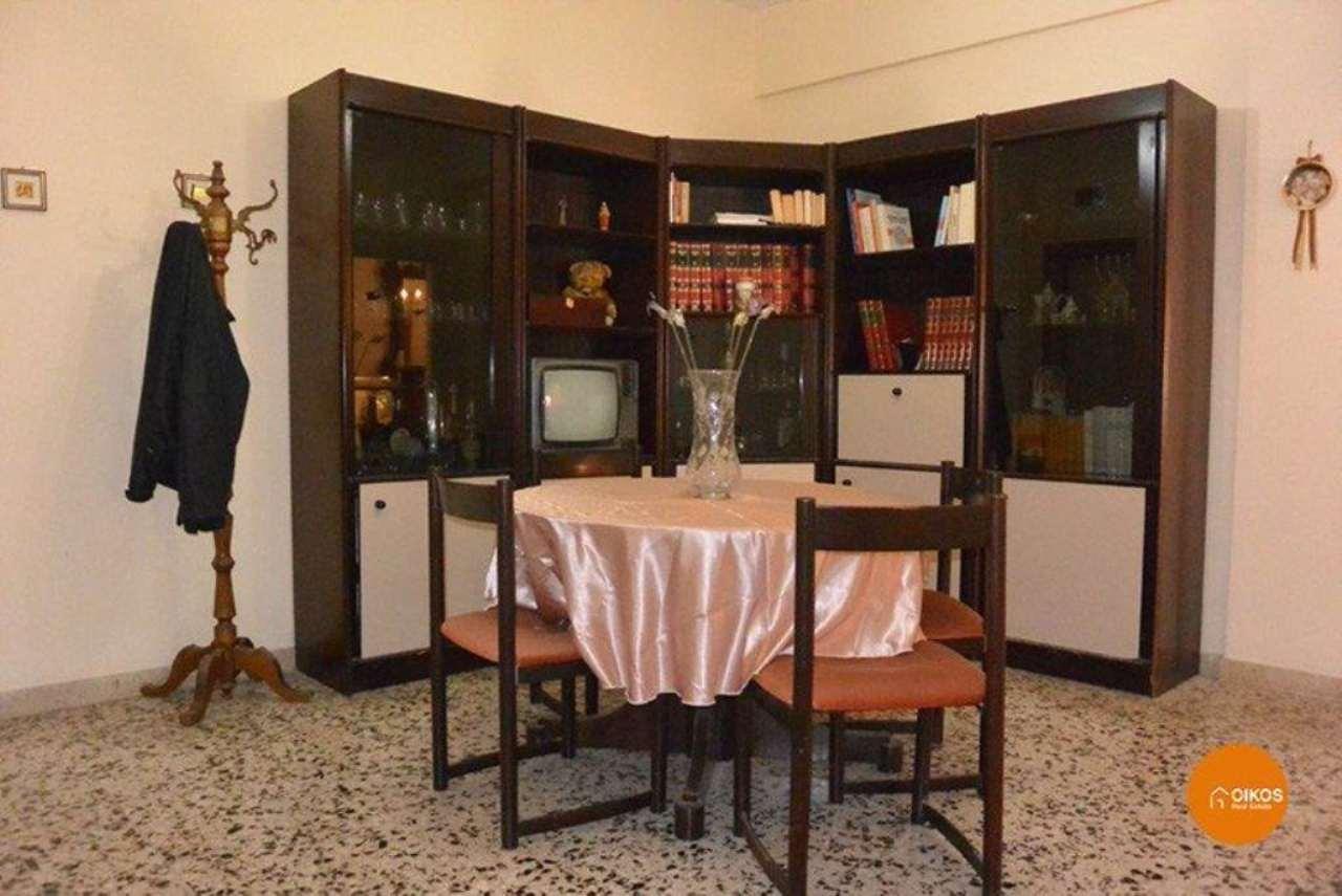Appartamento in vendita a Noto, 6 locali, prezzo € 148.000 | Cambio Casa.it
