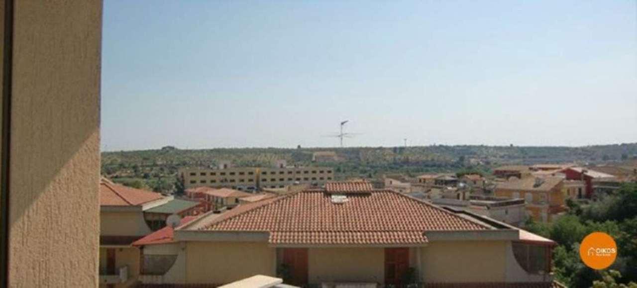 Appartamento in vendita a Noto, 4 locali, prezzo € 110.000 | Cambio Casa.it