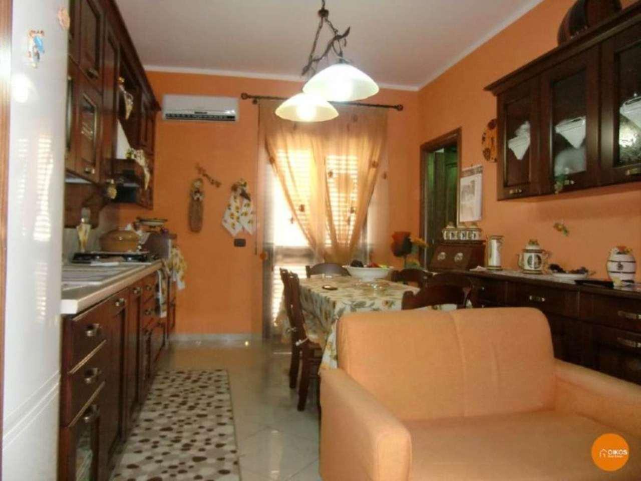 Appartamento in vendita a Noto, 4 locali, prezzo € 120.000 | Cambio Casa.it