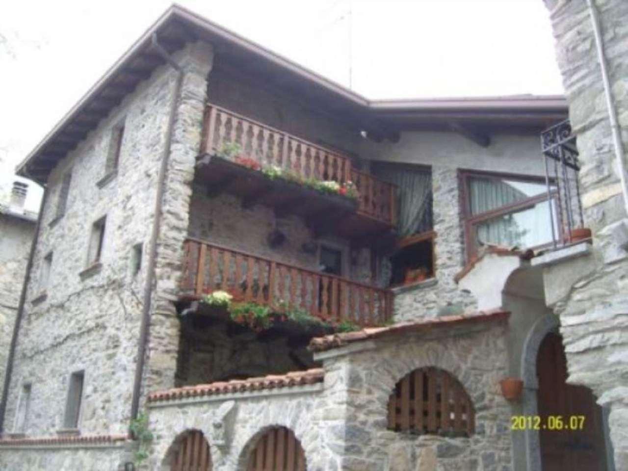 Casa indipendente in Vendita a Zelbio: 5 locali, 180 mq
