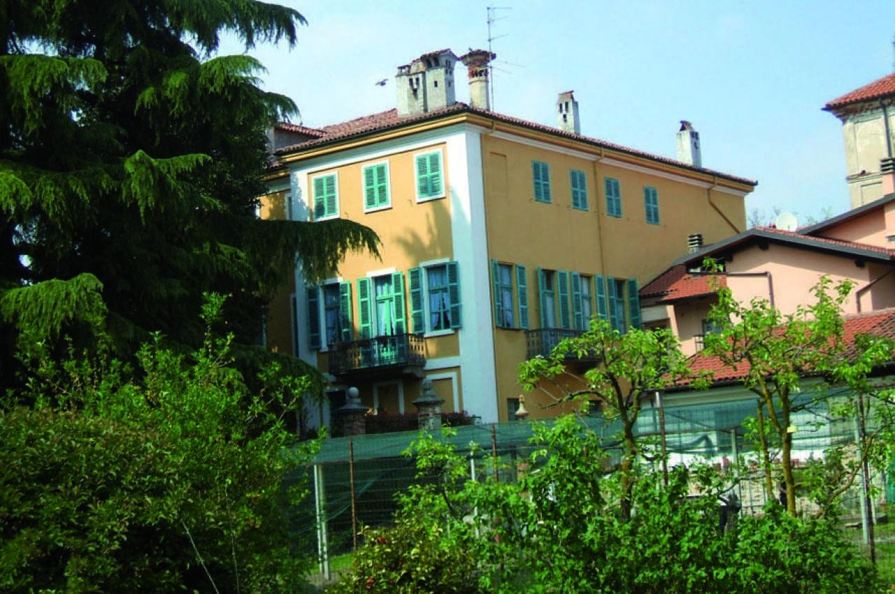 Villa in Vendita a Salussola Centro: 5 locali, 528 mq