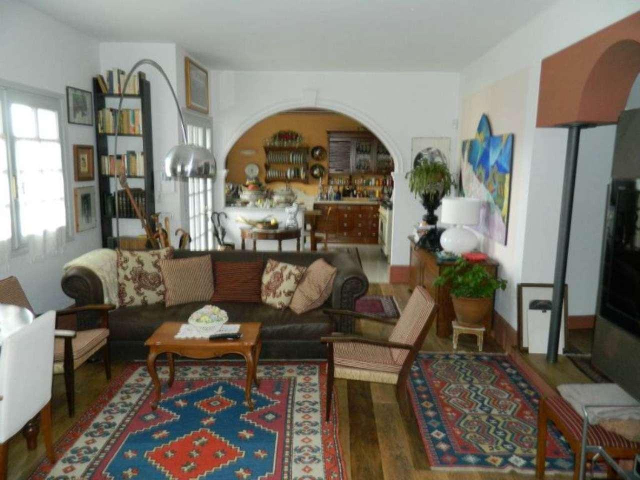 Villa in Vendita a Meina: 5 locali, 150 mq