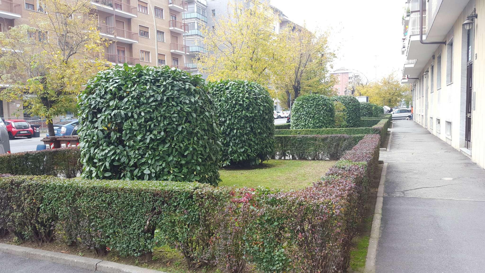 Bilocale Collegno Via Edmondo De Amicis 5