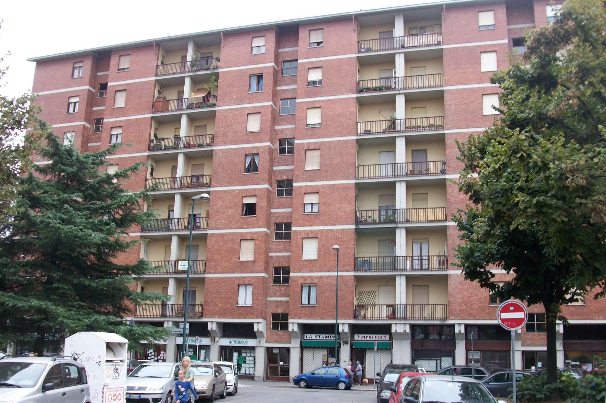 Bilocale Torino Via Pramollo 1