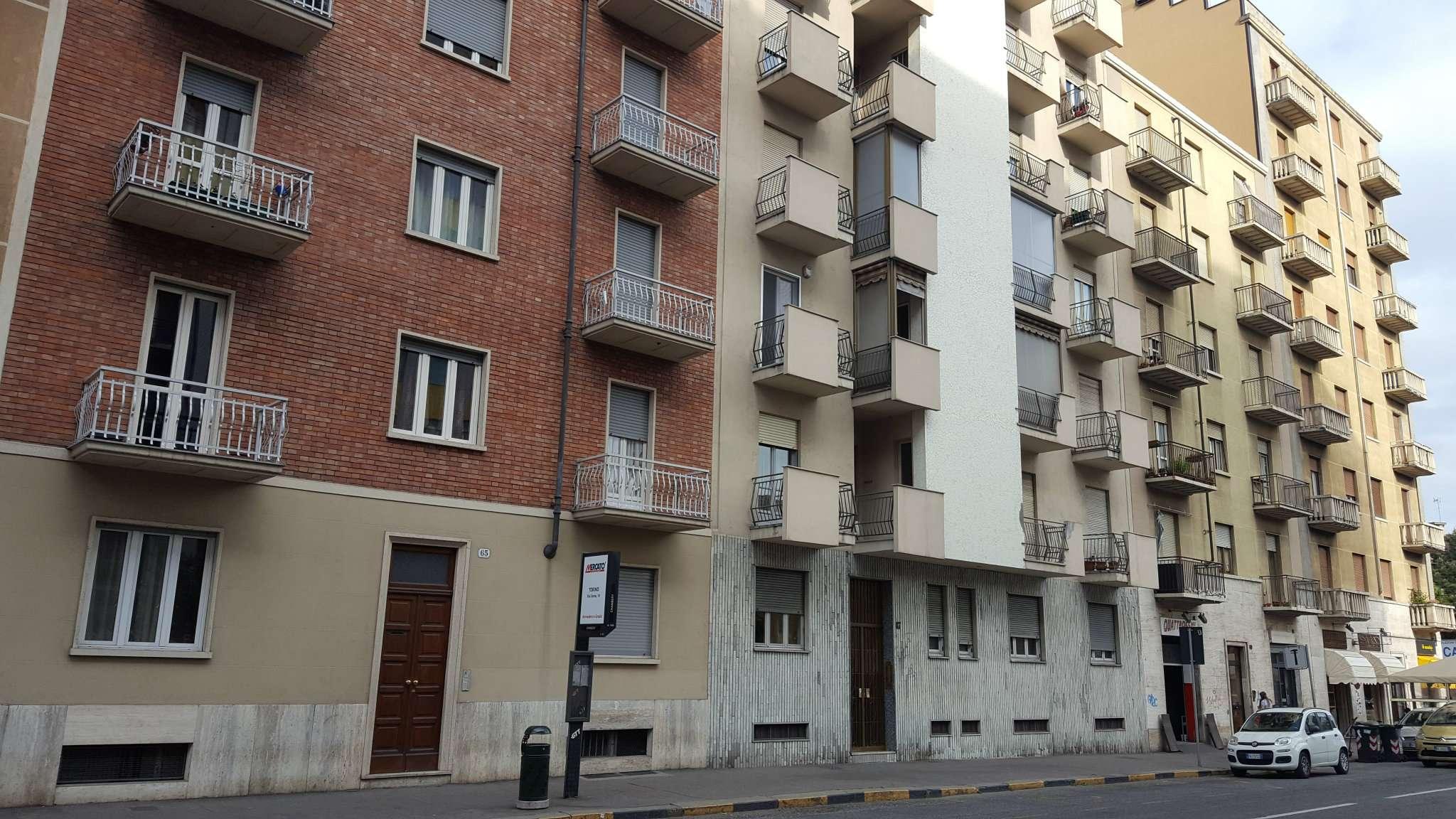 Bilocale Torino Via De Sanctis 13
