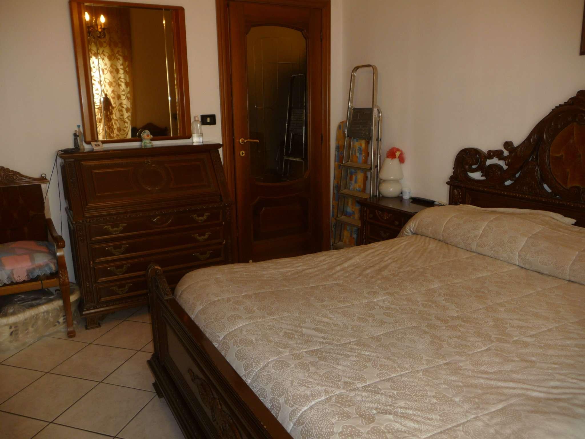 Bilocale Torino Via De Sanctis 6