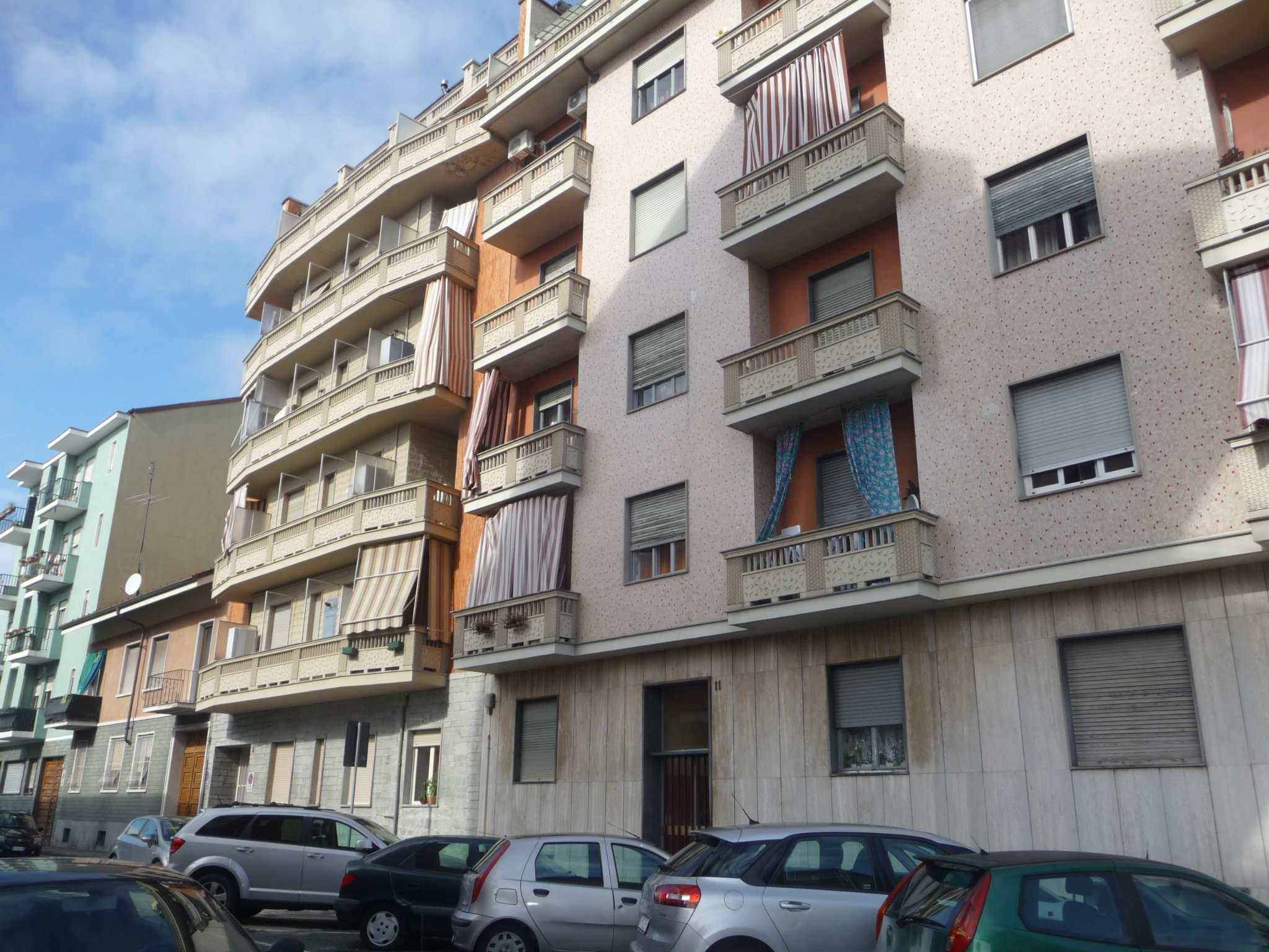 Bilocale Torino Via Rueglio 1