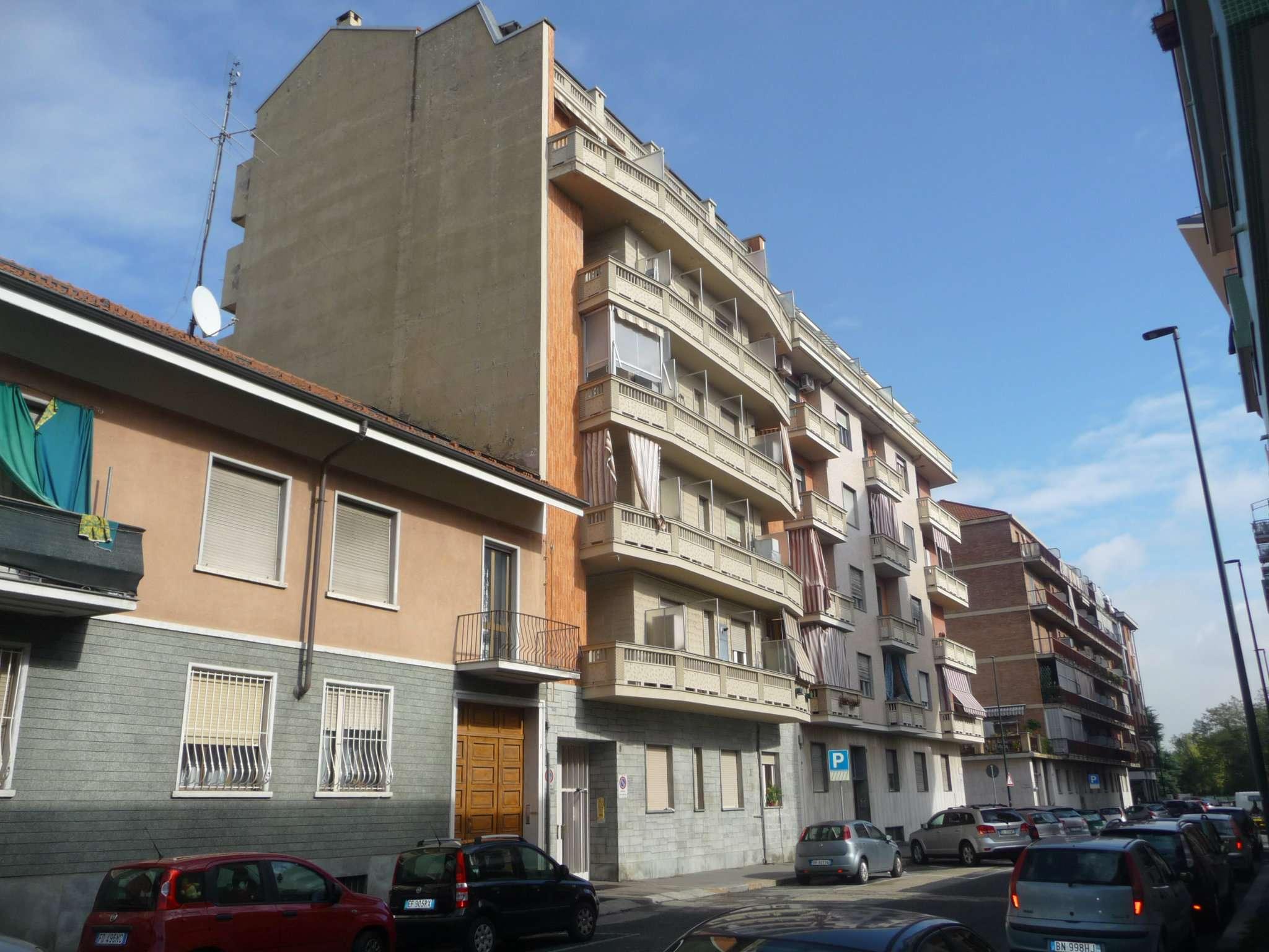 Bilocale Torino Via Rueglio 3