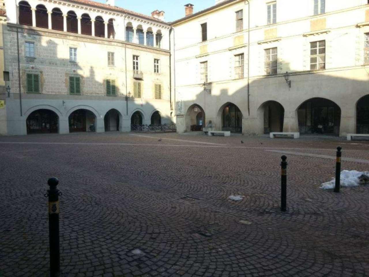 Casa indipendente in vendita a Racconigi in Piazza Vittorio Emanuele Ii